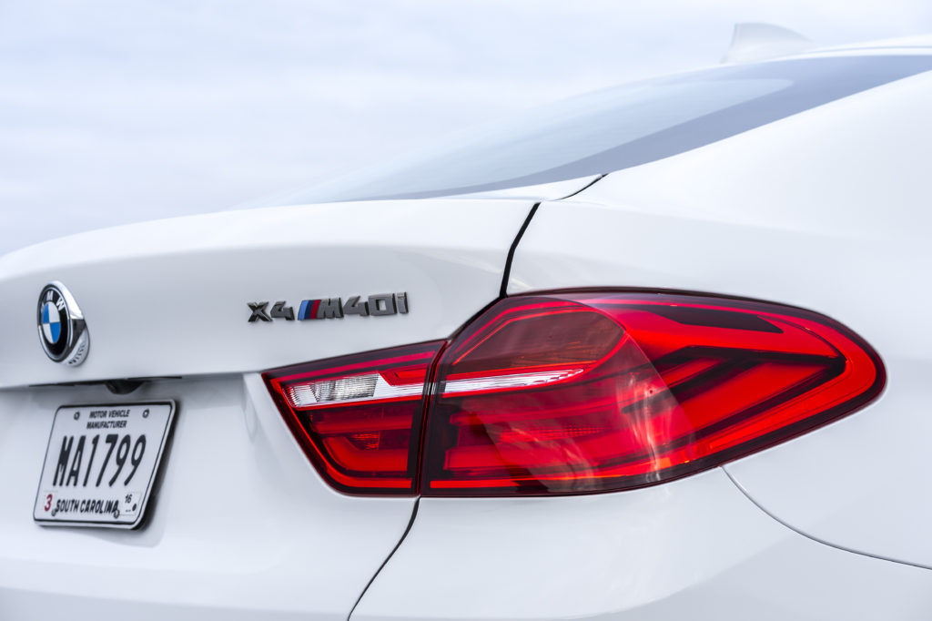 BMW X4 эмблема