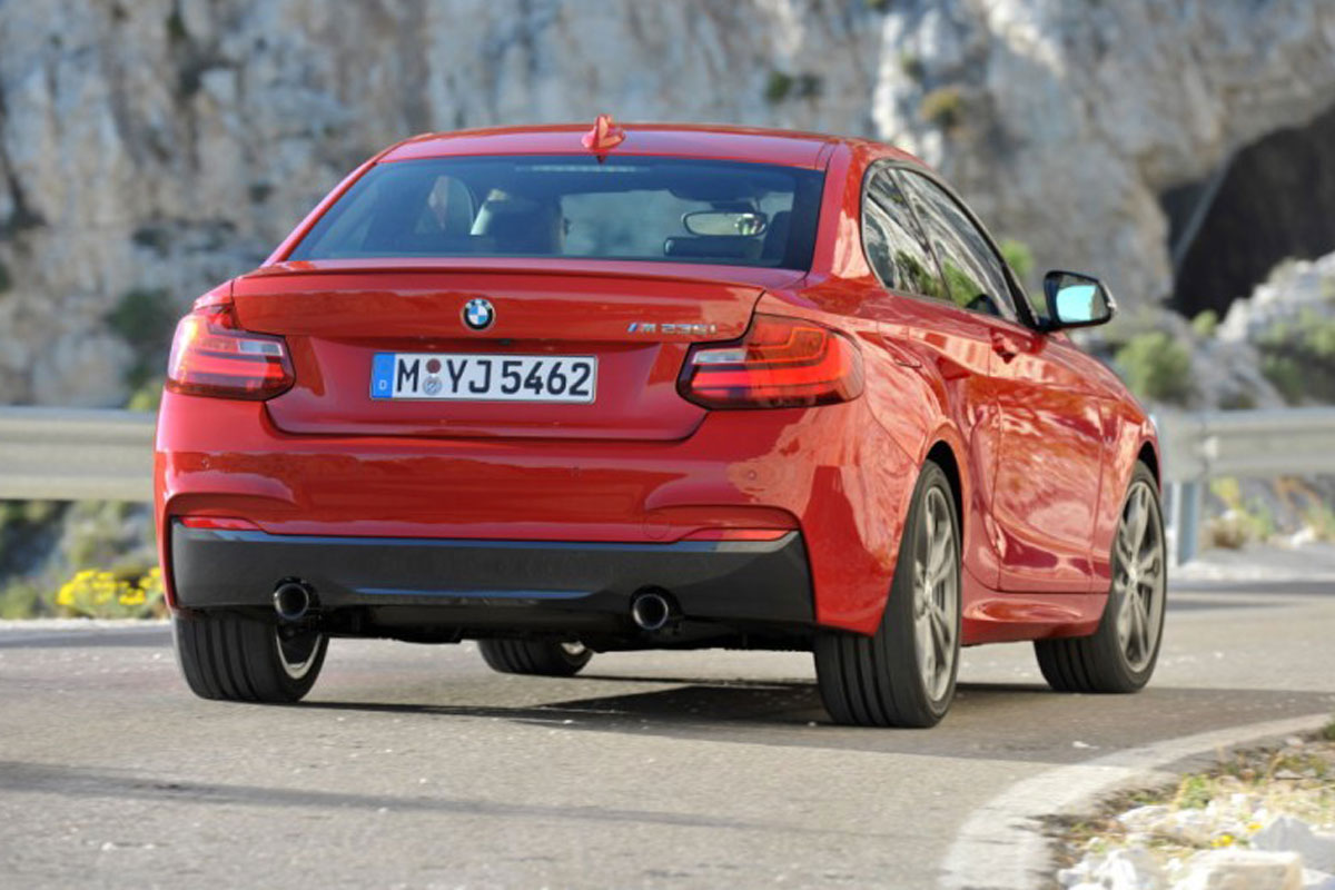 bmw_m235i_coupe_back