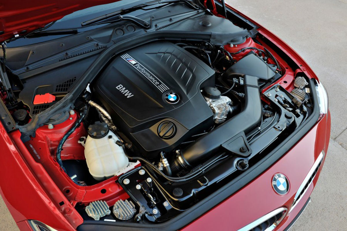 bmw_m235i_coupe_engine