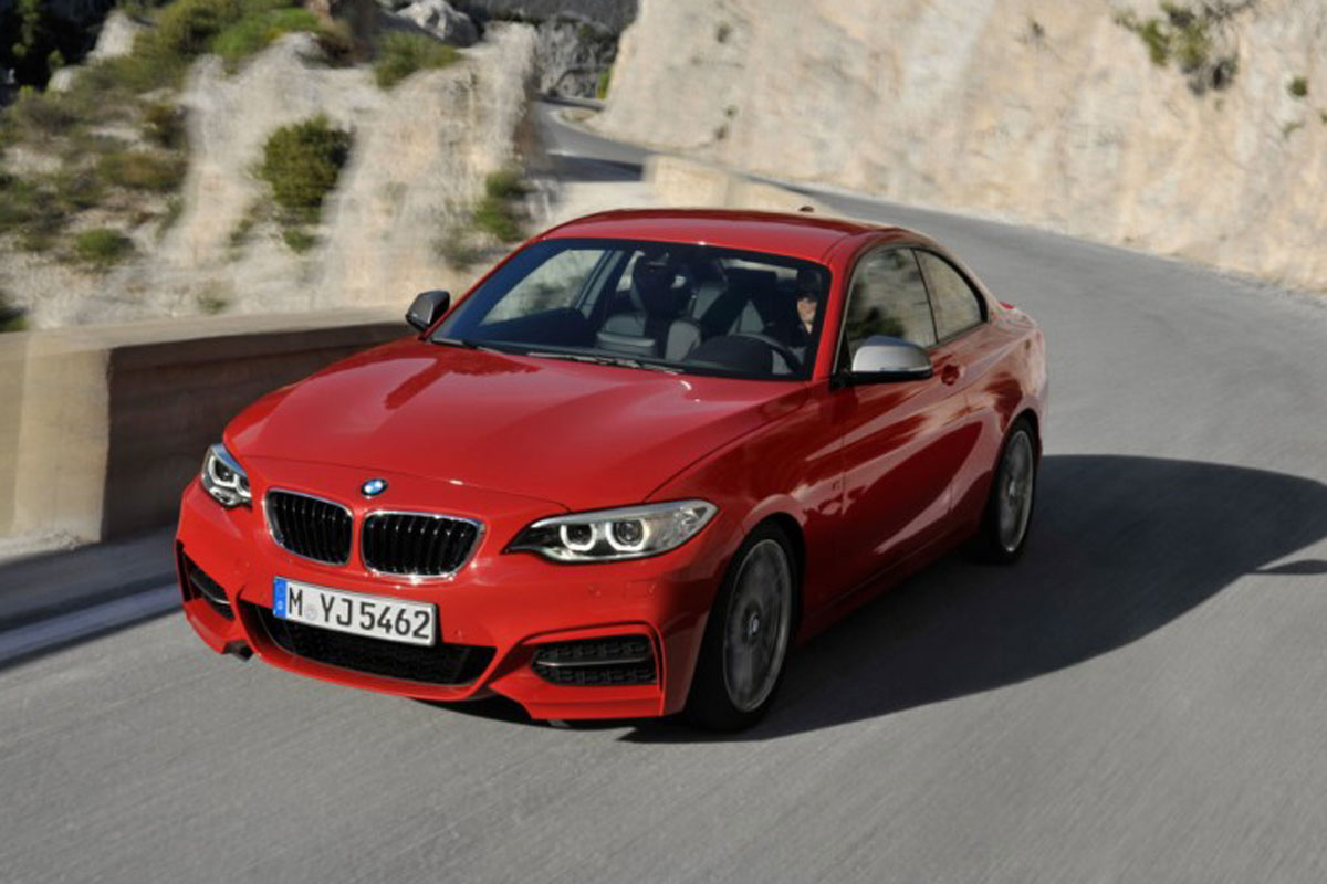 bmw_m235i_coupe_view