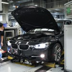 2012-bmw-3-series-production-7