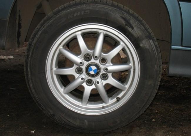 замена задних тормозных колодок на BMW e39